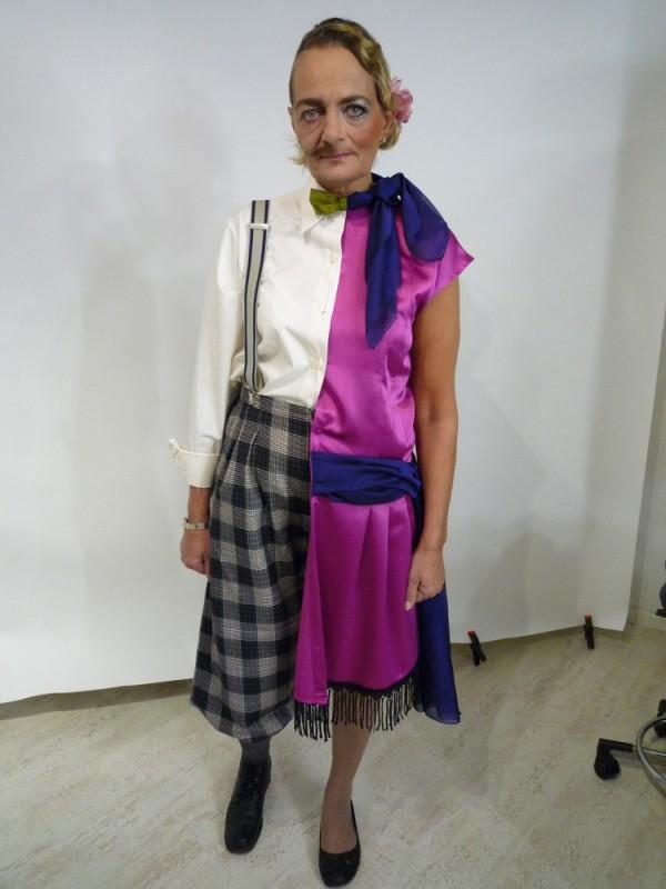 Mann-Frau-Kostüm im Cahrleston-Stil